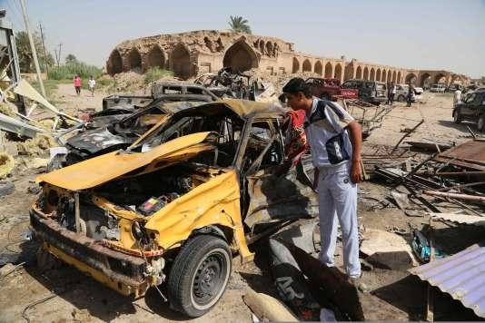 L'attaque a eu lieu dans une zone où se trouve un marché, dans cette ville à majorité chiite, à la veille de l'Aïd el-Fitr qui marque la fin du mois du jeûne du ramadan.