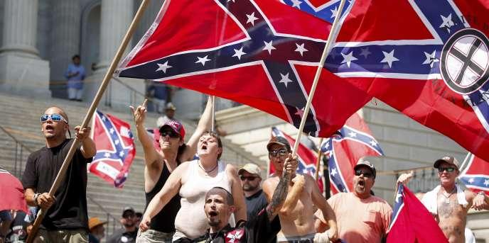 Des membres du Ku Klux Klan lors d'un rassemblement à Columbia, en Caroline du Sud.