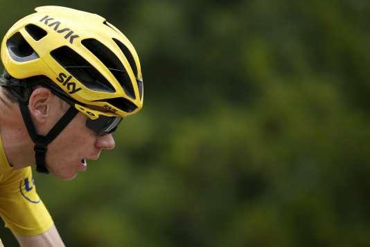 Le maillot jaune, Chris Froome, lors de la quinzième étape entre Mende et Valence le 19 juillet.