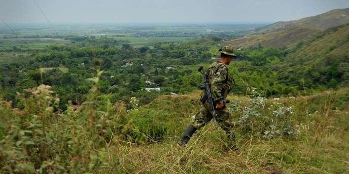 La mission de l'ONU, demandée par les parties en conflit, participera à un mécanisme tripartite de contrôle de la cessation des hostilités, avec des représentants de Bogota et des FARC.