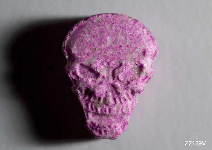 Echantillon de comprimé d'ecstasy prélevé pour analyse dans le canton de Berne (Suisse).