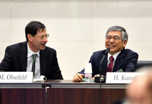L'un des conseillers économiques du président Barack Obama, Maurice Obstfeld (à gauche), va succéder au Français Olivier Blanchard comme chef économique pour le FMI.