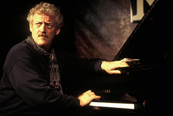 Le pianiste John Taylor au New Morning, à Paris, en novembre 1996.