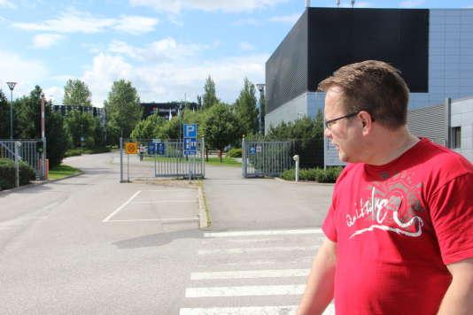 Timo Rouvali a travaillé plus de 20 ans chez Nokia à Salo avant le départ de la firme finlandaise, il est aujourd'hui ingénieur et représentant syndical sur ce même site, détenu par Microsoft.