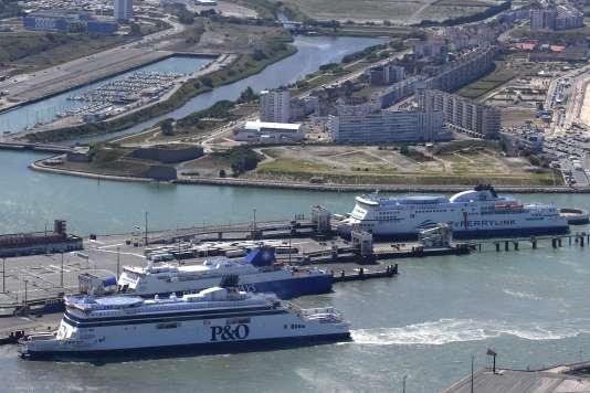 Dans le port de Calais, le 21 juillet.