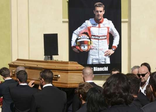 Les obsèques de Jules Bianchi, 25 ans, ont eu lieu ce mardi matin à la cathédrale Sainte-Réparate, à Nice.