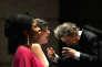 Au festival de Radio France, à Montpellier, le 18 juillet 2015. Au centre, la mezzo-soprano Marianne Crebassa, dans le rôle de Fantasio. A gauche, la soprano Omo Bello, dans celui d'Elsbeth. A droite, le chef Friedemann Layer.