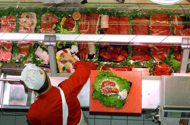 Concernant le porc, on assiste le prix d'achat aux éleveurs a augmenté et avoisine 1,38 à 1,40 euro le kilogramme.Pour la viande bovine, la hausse  a été de 10 centimes le kilogramme, sur les 20 centimes prévus.