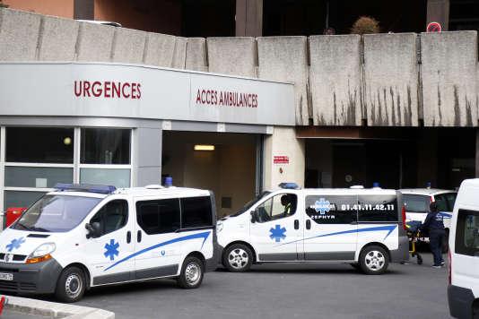 L'entrée du service d'urgences de l'hôpital Bichat à Paris, en octobre 2014.