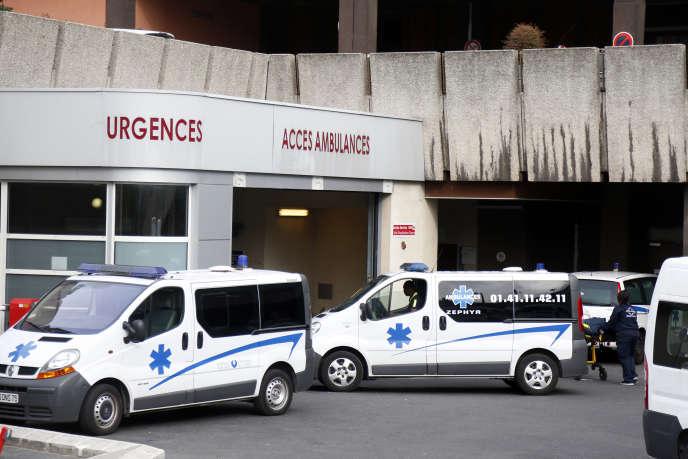 Un numéro pour les médecins de garde comme alternative au 15 a été mis en place le 5avril2017 dans trois régions pour soulager les urgences trop encombrées.