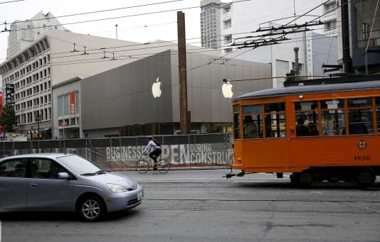 Un magasin Apple en construction à San Francisco, Etats-Unis, le 21 juillet 2015.