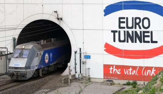 Sortie du tunnel sous la Manche à Coquelles (Pas-de-Calais).
