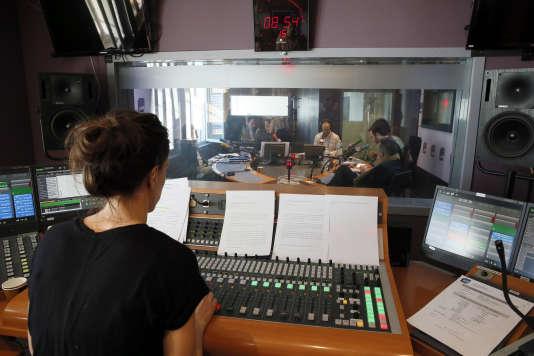 Dans un studio d'enregistrement de la Maison de la Radio, à Paris, le 16 avril 2015.
