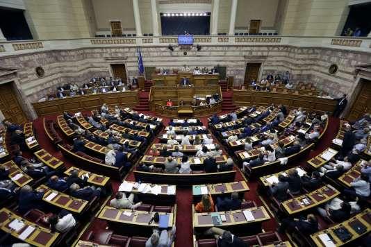 Alexis Tsipras, devant le Parlement grec, le 23 juillet.