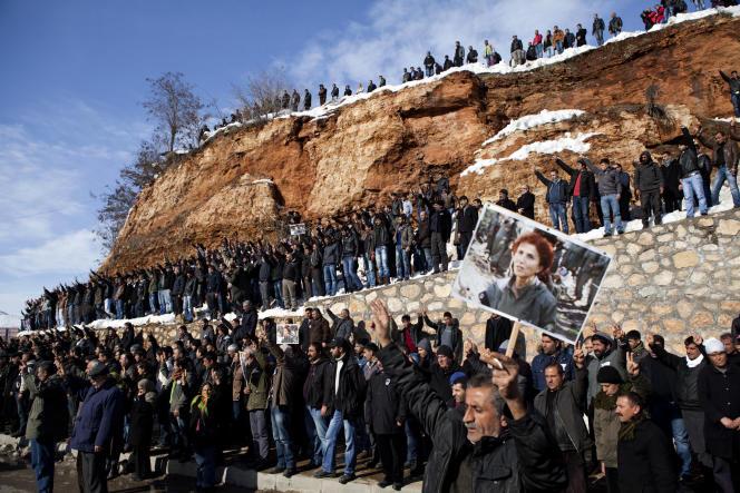 Enterrement à Dersim (Turquie) de Sakine Cansiz, l'une des trois militantes kurdes assassinées à Paris, en janvier 2013.