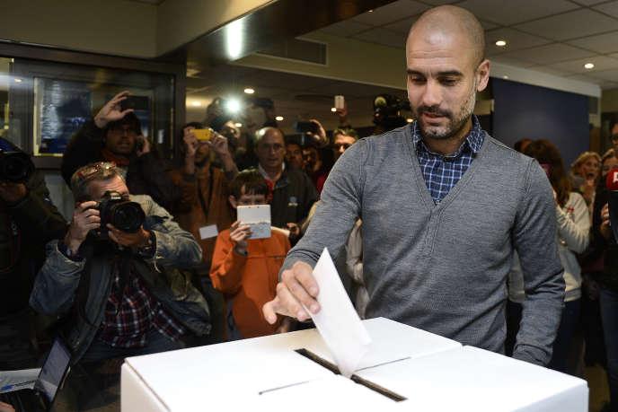 Pep Guardiola lors du vote symbolique pour l'indépendance de la Catalogne en novembre 2014.
