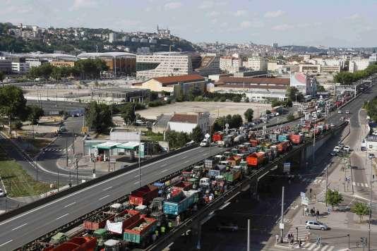 L'accès à la ville de Lyon a été perturbée par les blocages des éleveurs le 23 juillet.