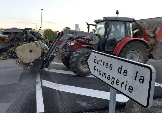 Après la filière bovine en juin, Stéphane Le Foll rencontre les professionnels du lait, le24juillet.