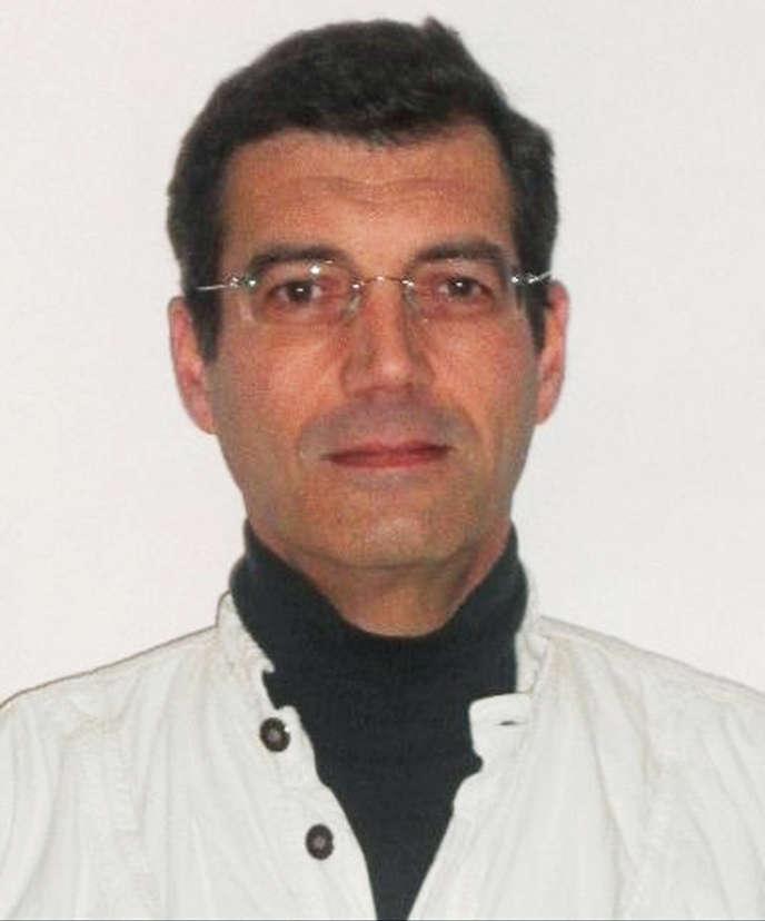 Xavier Dupont de Ligonnès avait été vu pour la dernière fois le 15 avril 2011, quittant à pied un hôtel Formule 1 de la commune varoise de Roquebrune-sur-Argens, avec un étui dans le dos pouvant contenir une carabine.