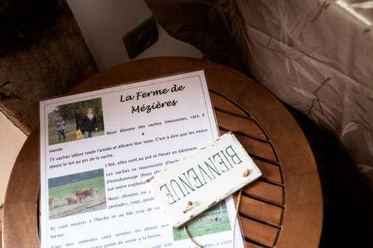 Christophe Couillard a installé une boutique à la ferme qui est ouverte deux jours par semaine, le vendredi soir et le samedi matin, où il vend des colis de viande de 4 à 12 kilos, ainsi que de la viande au détail.