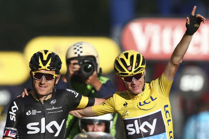 Geraint Thomas et Chris Froome à l'arrivée du Tour de France 2015.