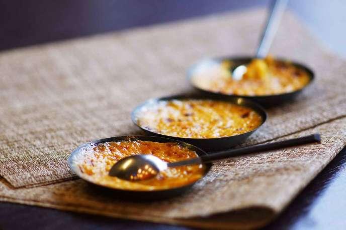 Crème brûlée à la mangue.
