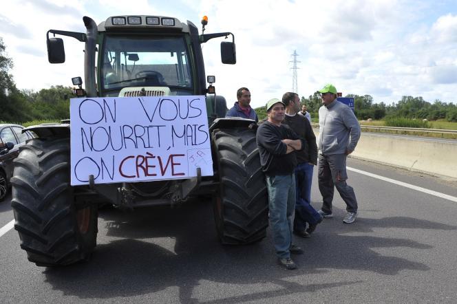 Manifestation d'agriculteurs à Hauconcourt (Moselle), le 28juillet 2015.