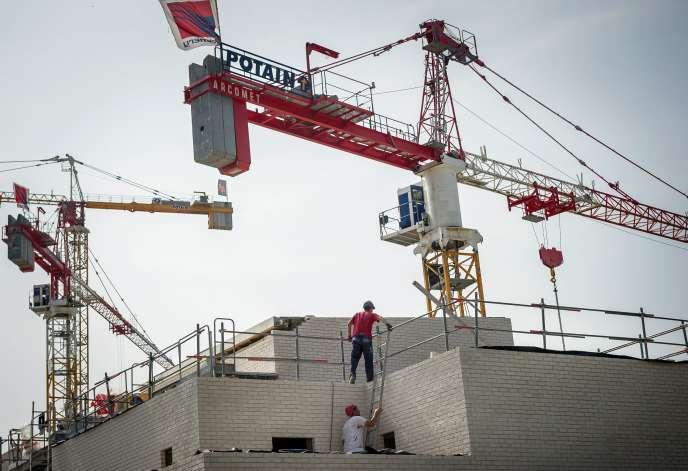 Selon la Fédération des promoteurs immobiliers (FPI), les ventes de logements neufs à des investisseurs ont augmenté de 20,6% et celles en accession à la propriété de 23,8%.