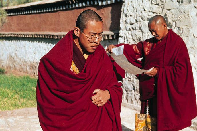 Tenzin Thuthob Tsarong (le dalaï-lama) et  Gyatso Lukhang (Lord Chamberlain).