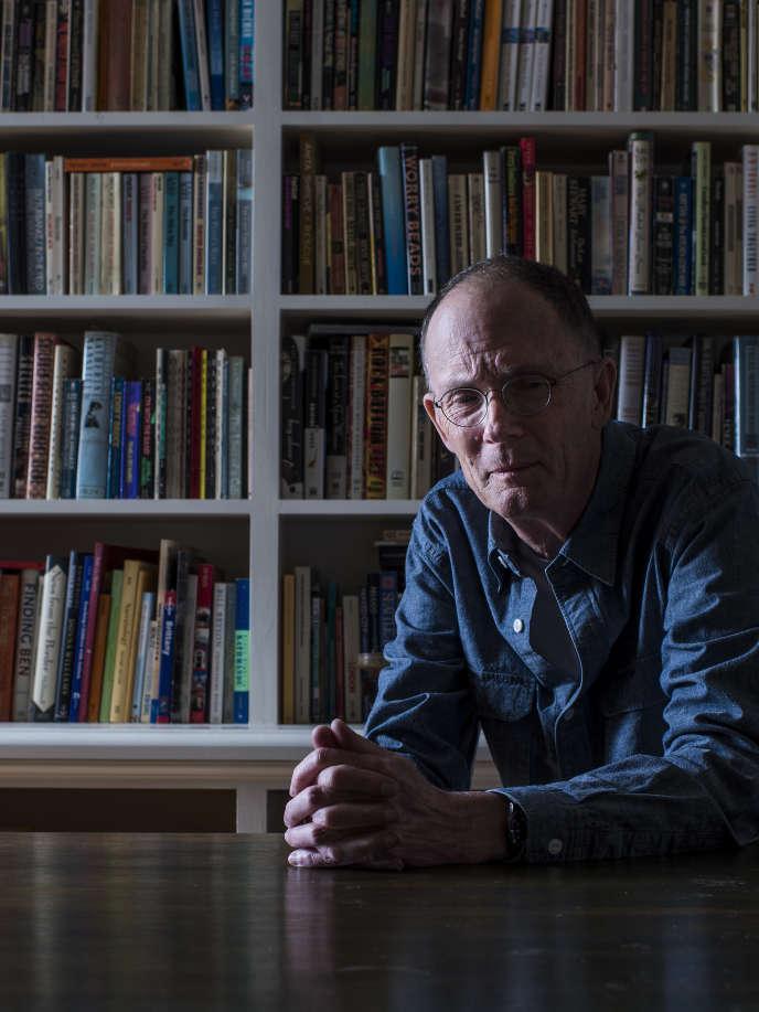 Le romancier William Gibson à son domicile de Vancouver, le 23 juin.