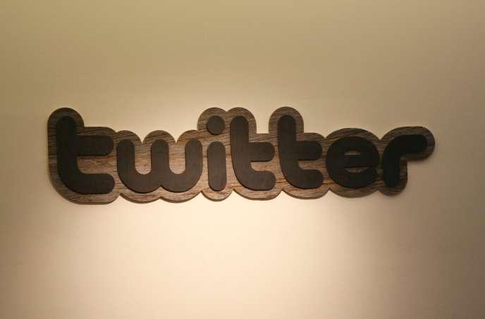 Le logo de Twitter, au siège de l'entreprise, le 29 juillet.