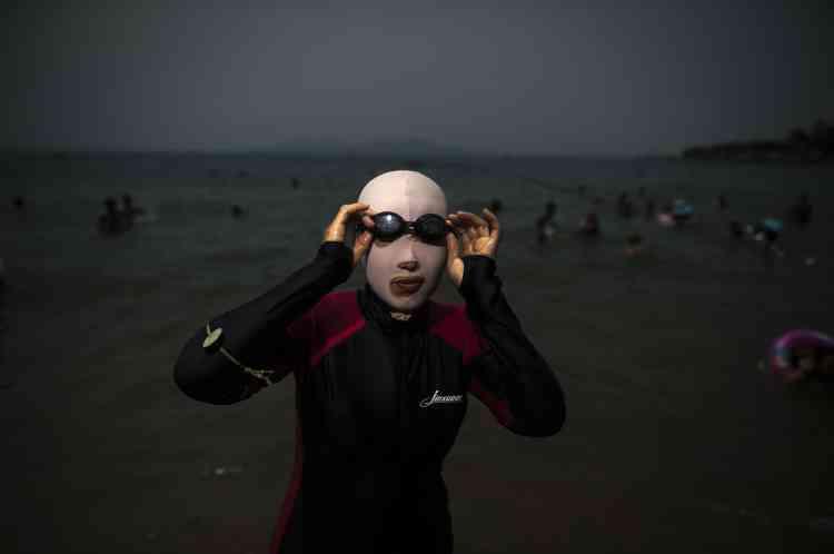 Avec 30 000 face-kinis vendus à Qingdao en 2014, les commerçants espèrent tripler leurs ventes cet été.