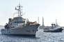 """Le """"Niamh"""", un navire de guerre de la marine irlandaise mobilisé pour venir au secours des migrants, dans le port de Messine, en Sicile, le 29 juin."""