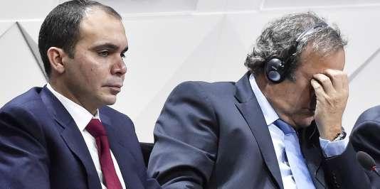 Le prince Ali aux côtés de Michel Platini.