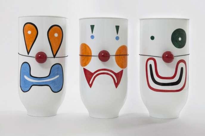 Les vases clowns réalisés pour la galerie Kreo, à Paris.