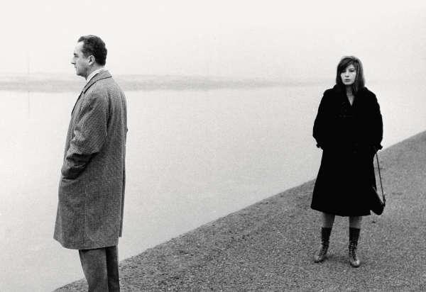 Michelangelo Antonioni et Monica Vitti à Ravenne en 1960.