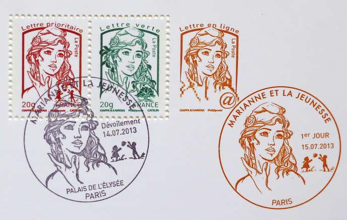 Le 1er janvier 2016, le prix du timbre rouge va grimper de 0,76 à 0,80 euro, tandis que celui du timbre vert passera de 0,68 à 0,70 euro.