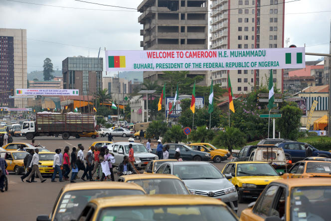 Après les attentats dans le nord du Cameroun, l'inquiétude monte dans les grandes villes du sud,  comme ici à Yaoundé, où s'est rebdu le président nigérian le  29 juillet.