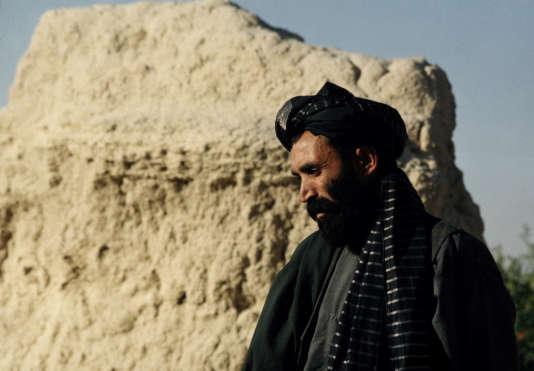 Le mollah Omar en Afghanistan, en 2001.