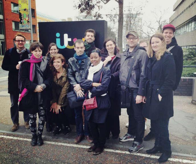 La première promotion de l'école « Serial Eyes »,  à  ITV,  en 2014.