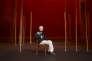 """Peter Brooks, maître fondateur des Bouffes du Nord, dans le décor de """"La Flûte enchantée"""", le 5 novembre 2010."""