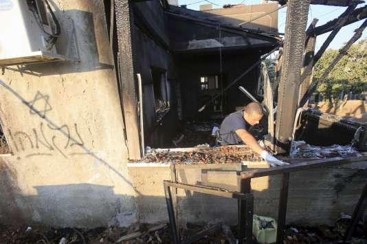 Un bébé palestinien est mort dans l'incendie criminel de sa maison de Kafr Douma, dans le nord de la Cisjordanie.