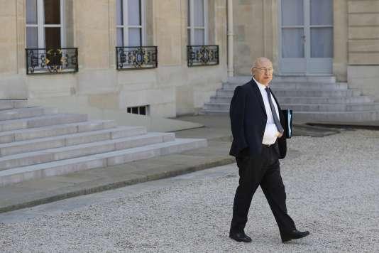Michel Sapin le 31 juillet dans la cour de l'Elysée.