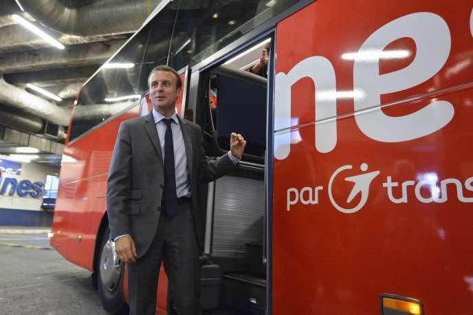 La loi promue par le ministre de l'économie, Emmanuel Macron, prévoit notamment l'ouverture de liaisons nationales d'autocar.
