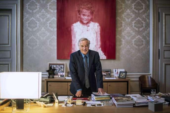 François Rebsamen dans son bureau à la mairie de Dijon, le 24 octobre 2013.