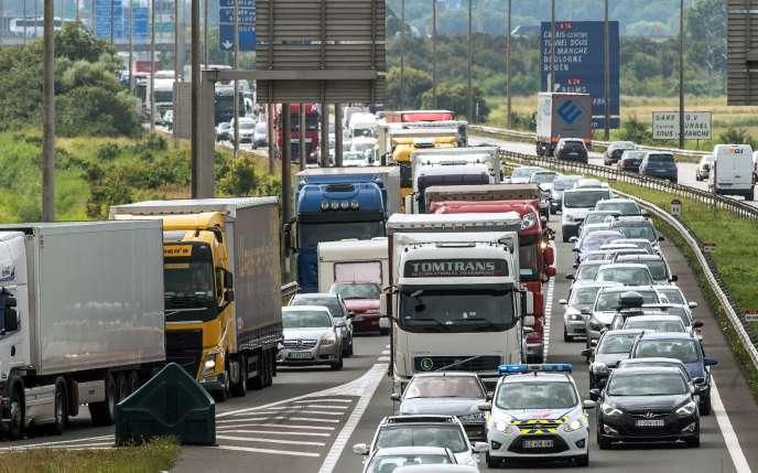 Le rapport de l'IGA pointe un manque d'investissement des politiques en France en matière de sécurité routière.