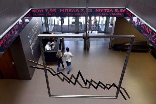 Dans l'entrée de la Bourse d'Athènes, le 15 juin.