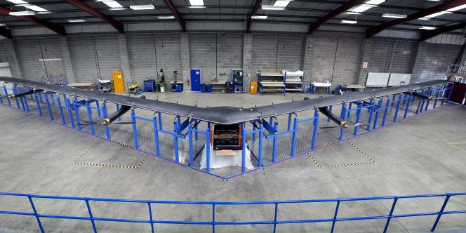 Jeudi 30 juillet, Facebook a levé le voile sur Aquila, un drone à l'envergure similaire à celle d'un Boeing 737 et destiné à connecter les populations les plus reculées à Internet.