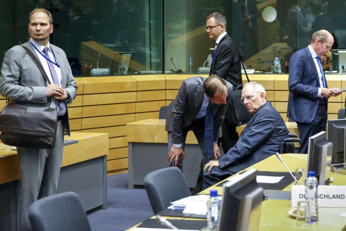 Le ministre des finances allemand, Wolfgang Schäuble, participe à une réunion de l'Eurogroupe sur la situation économique en Grèce, au siège de l'Union européenne, à Bruxelles, samedi 11 juillet.