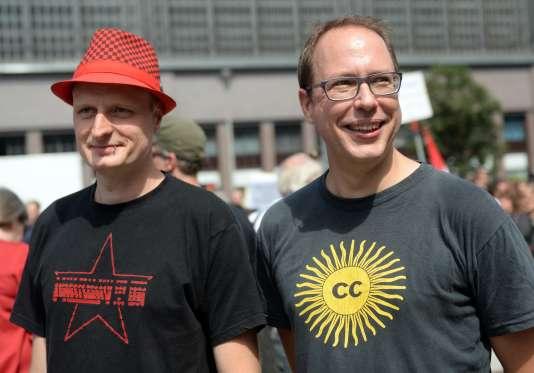 Les deux fondateurs du blog Netzpolitik, Andre Meister et Markus Beckedahl.